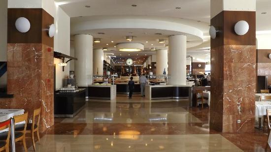 Titanic Beach Lara Hotel: dining room