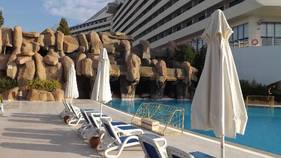 فندق تيتانيك ديلوكس بيتش آند سبا: waterfalls 