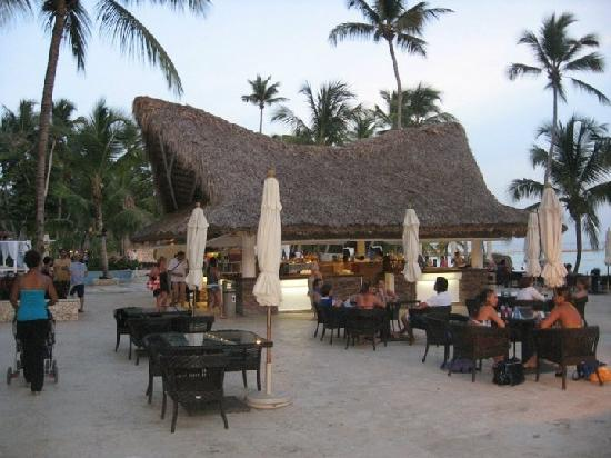 Viva Wyndham Dominicus Beach: The bar