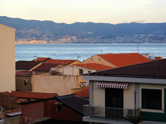 Hotel Residence President: Vue de la chambre sur la Sicile