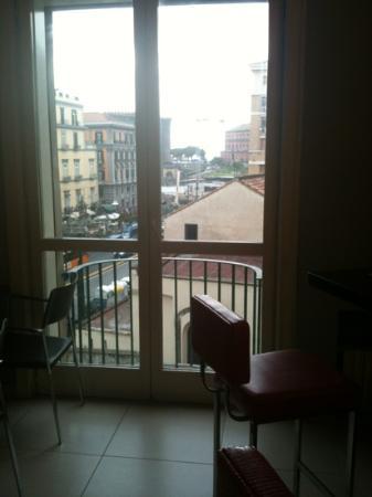 Hotel Napolit'amo Medina : vista dalla sala colazioni
