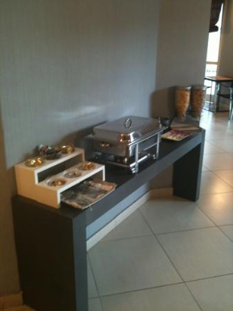 Hotel Napolit'amo Medina : buffet colazione