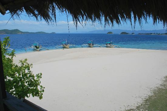 Banana Island: the white sand beach