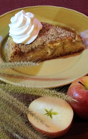 Peppercorn: Homemade Applecake with fresh cream