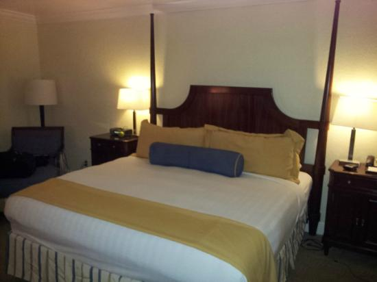 Bonaventure Resort & Spa: Comfortable bed