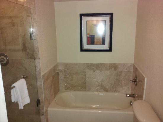 Bonaventure Resort & Spa: Bathroom
