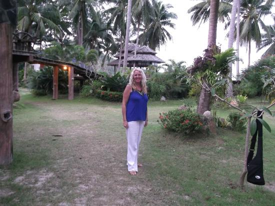 Chaloklum Bay Resort: hotel grounds