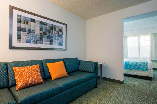 SpringHill Suites Williamsburg: Suite Living Room