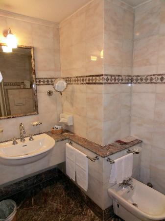 Hotel delle Nazioni: Bathroom