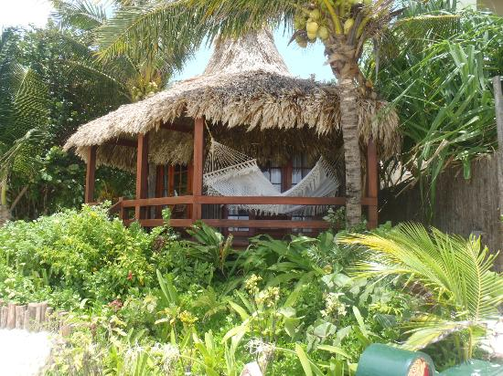 Ramon's Village Resort: beachfront room