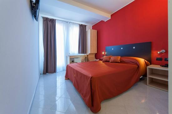 Hotel Tiempo : Camera matrimoniale