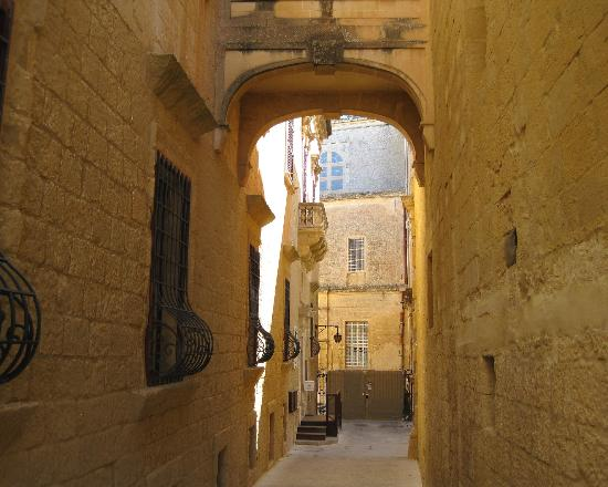 Mdina Old City: Mdina - Bastion Street