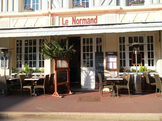 Le Normand: terrasse exterieur
