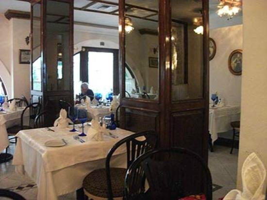 Kaiser Maximilian: View of the inside dining room.