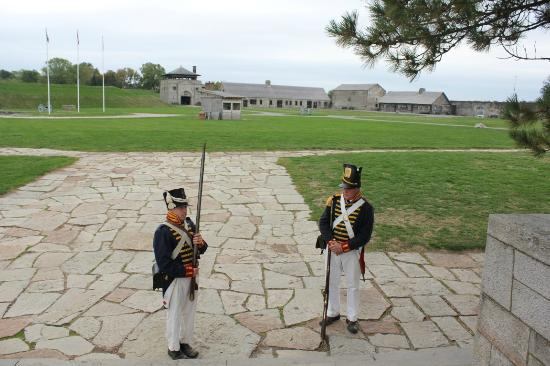 Old Fort Niagara: Docents Musket Demonstration