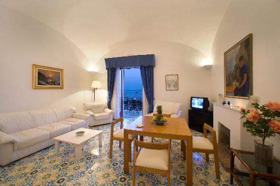 拉卡拉維拉波西塔諾酒店照片