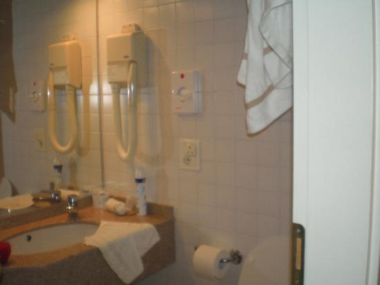 Hotel Cambridge: bathroom