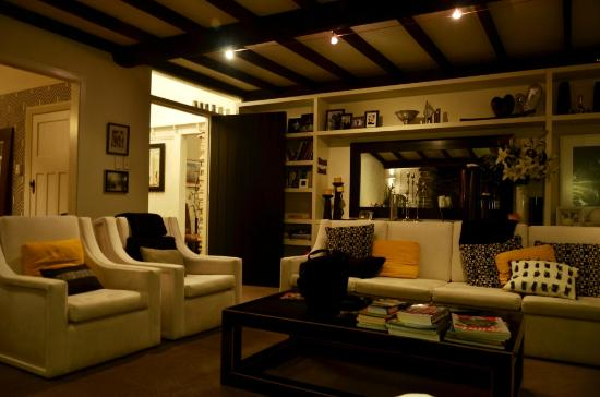 وايوراو هومستيد: The living room