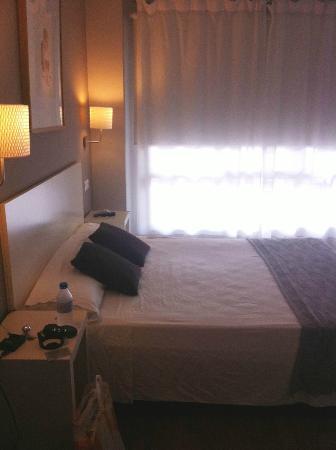 Dormavalencia Hostel Regne : Letto