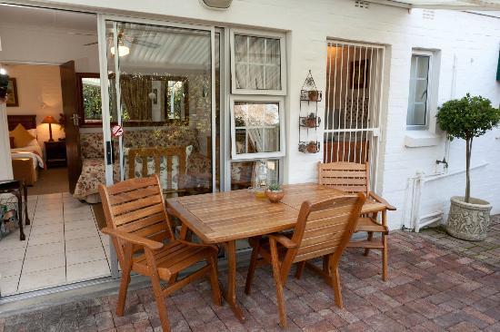 Le Roux's Guest House : Patio