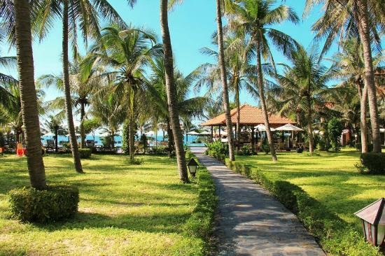 Dessole Sea Lion Beach Resort & Spa - Mui Ne: Выход к пляжу