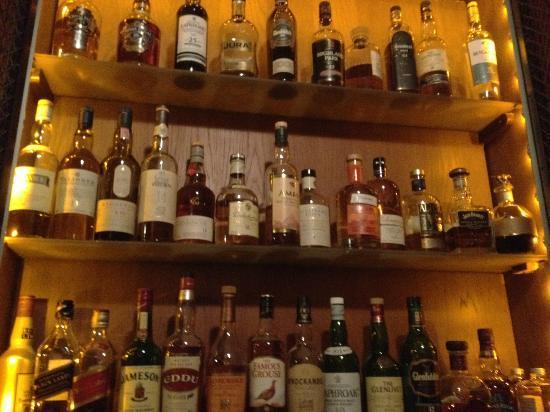 The Bar at the Saint James Paris: amrut whiskey indien