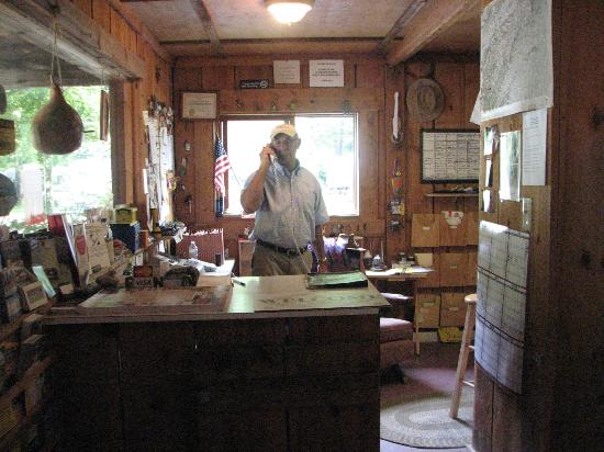 Flintlock Family Campground: Charlie at Front Desk
