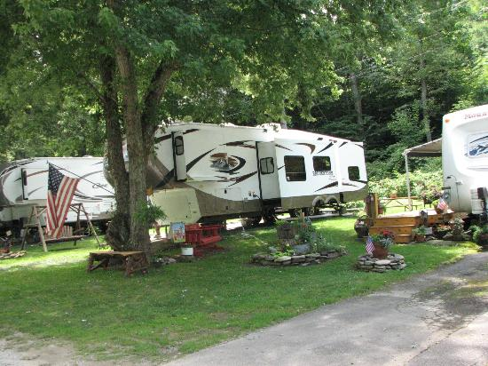 Flintlock Family Campground: Large rig areas