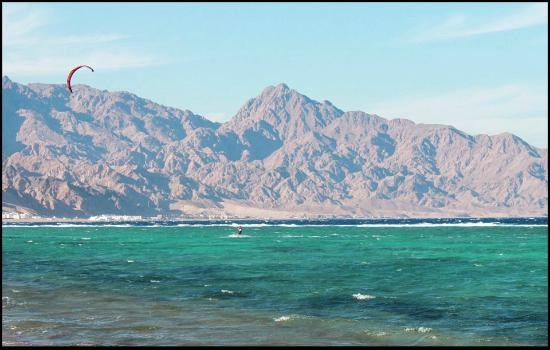 Sheikh Salem House: Вид на лагуну с пляжа возле отельчика