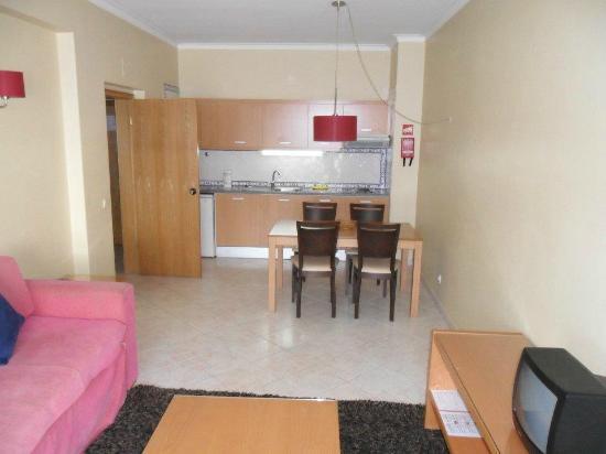 Alagoamar Hotel Apartamentos: Kitchen/Living Room