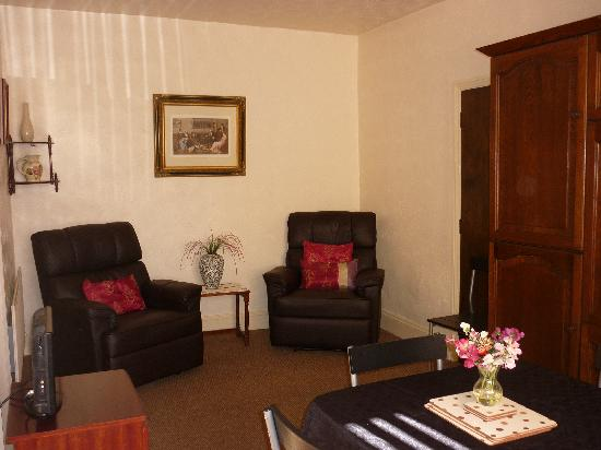 Farley Cottage : Living area
