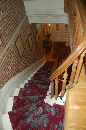Bed & Breakfast Manoir Mon Calme: Stairway