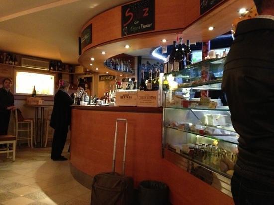 Caffe' Brasilia: Le bar