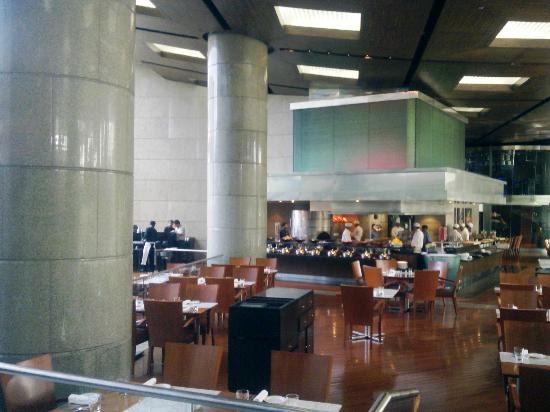 Hyatt Regency Mumbai: Open Dining Area