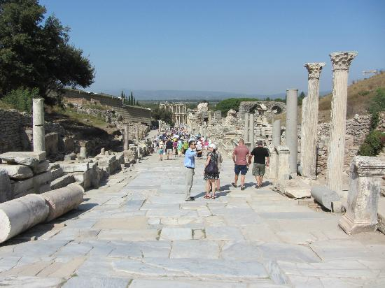 Ephesus Sightseeing Tour: Main street of Ancient Ephesus