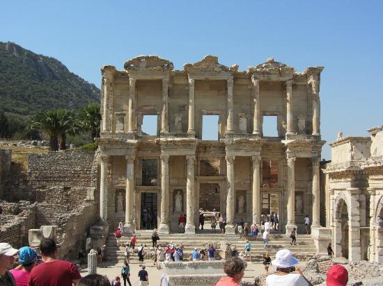Ephesus Sightseeing Tour: Library of Ephesus
