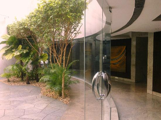 Hyatt Regency Mumbai: Business Area and greenary
