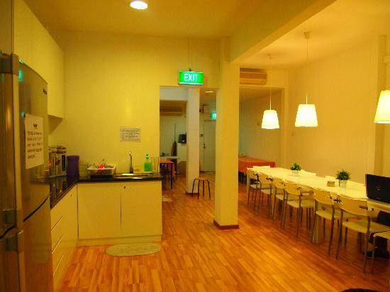 New Society Backpackers' Hotel: Holl familiar y divertido