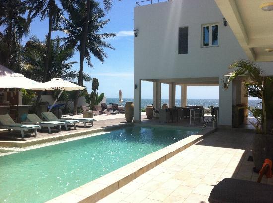 Shades Resort : view from entering shades