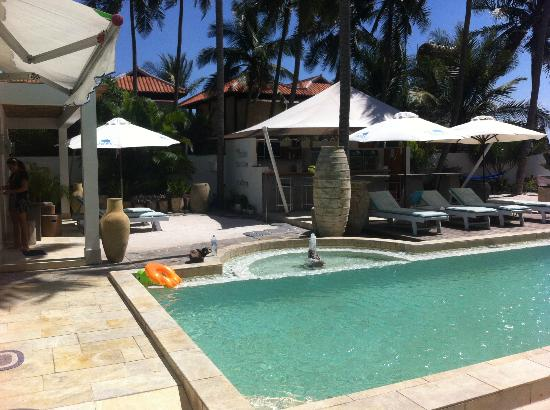 Shades Resort : pool bar