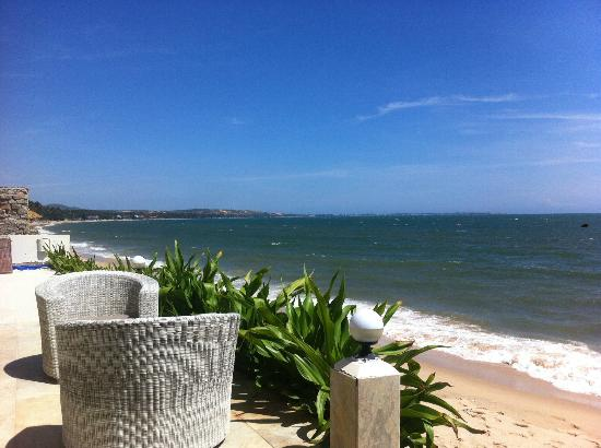 Shades Resort: view at the beach