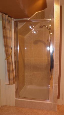 Gilmore House : douche spacieuse