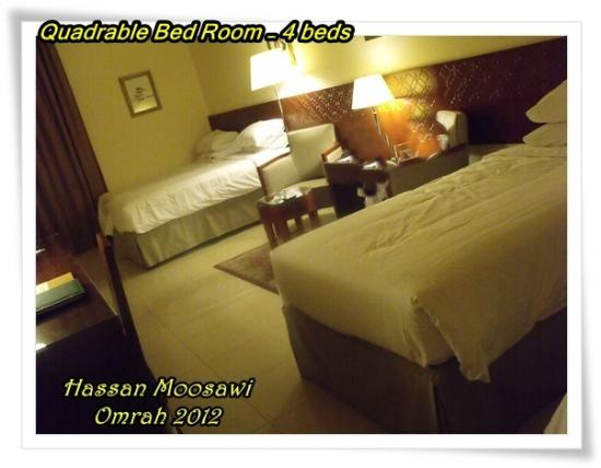 ‪‪Makarem Umm AlQura Hotel‬: Quadrable Bed Room‬