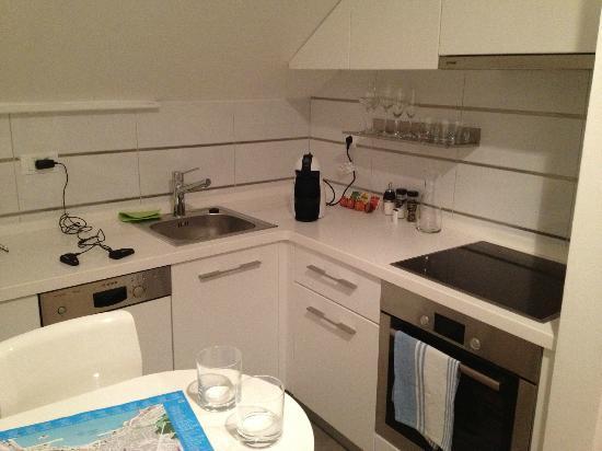 Divota Apartment Hotel: la cucina