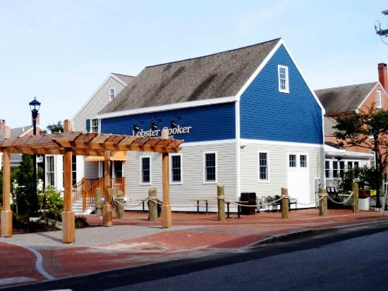 Lobster Cooker Freeport Restaurant Reviews Phone Number - Map 176 us route 1 freeport maine 04032