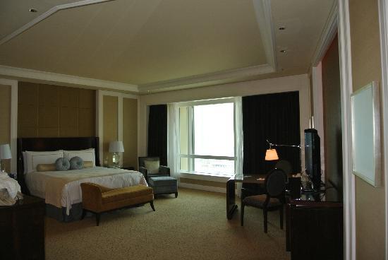 โรงแรมโฟร์ ซีซั่น มาเก๊า: my room was on the 17/F