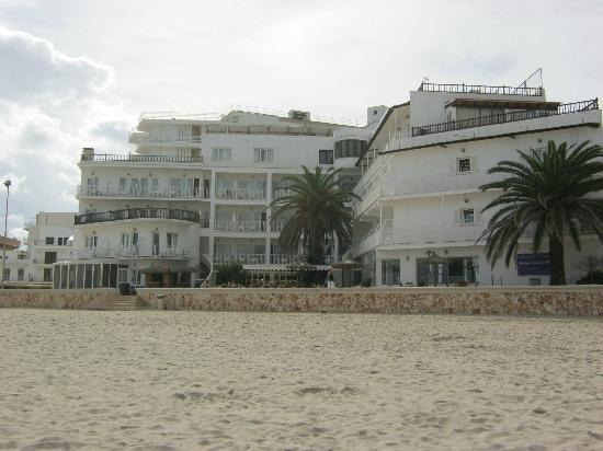 S'illot, Spain: Hotem mit Strand