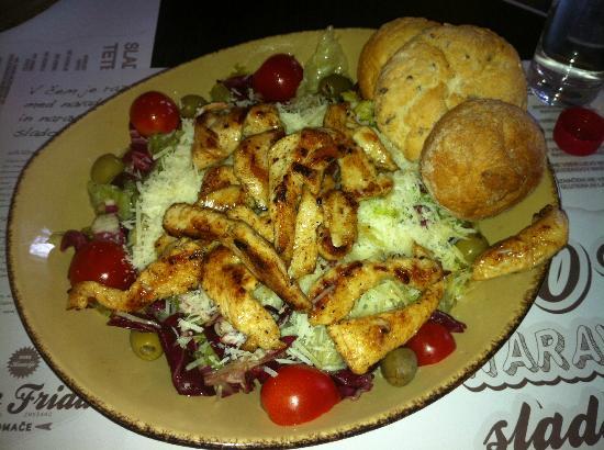 Kavarna Q: Chicken salad