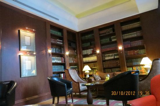 Hilton Boston Downtown / Faneuil Hall: Study Room (waiting area)