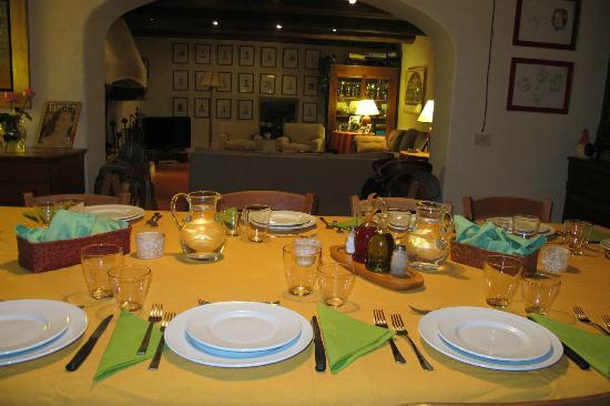 Fattoria il Trebbio - Agriturismo e B&B: La Sala da pranzo e il Salotto
